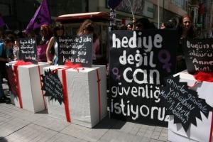 Anneler Günü-İstanbul Feminist Kolektif/5 Mayıs 2010