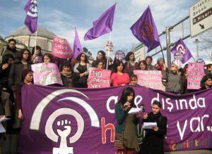 Sosyalist Feminist Kolektif 'Aile Dışında Hayat Var' Kampanyası 2013