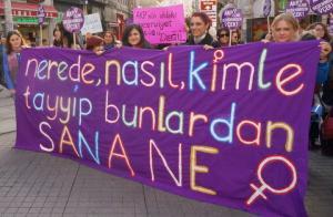 Nerede? Nasıl? Kiminle? Tayyip bunlardan sana ne? AKP elini hayatımdan çek! (Beyoğlu - Tünel Meydanı