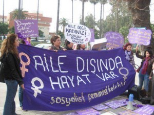 SFK Adana: 'Aile Dışında Hayat Var' Eylemi/9 Şubat 2013